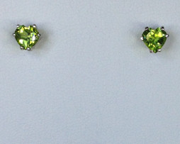 4066 Peridot Heart CO Sterling Earrings 1