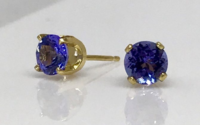 Tanzanite gems in 18kt Yellow Gold earrings