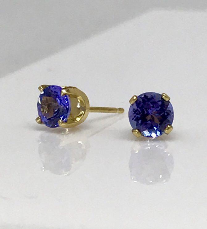 Tanzanite gems in 18kt Yellow Gold earrings
