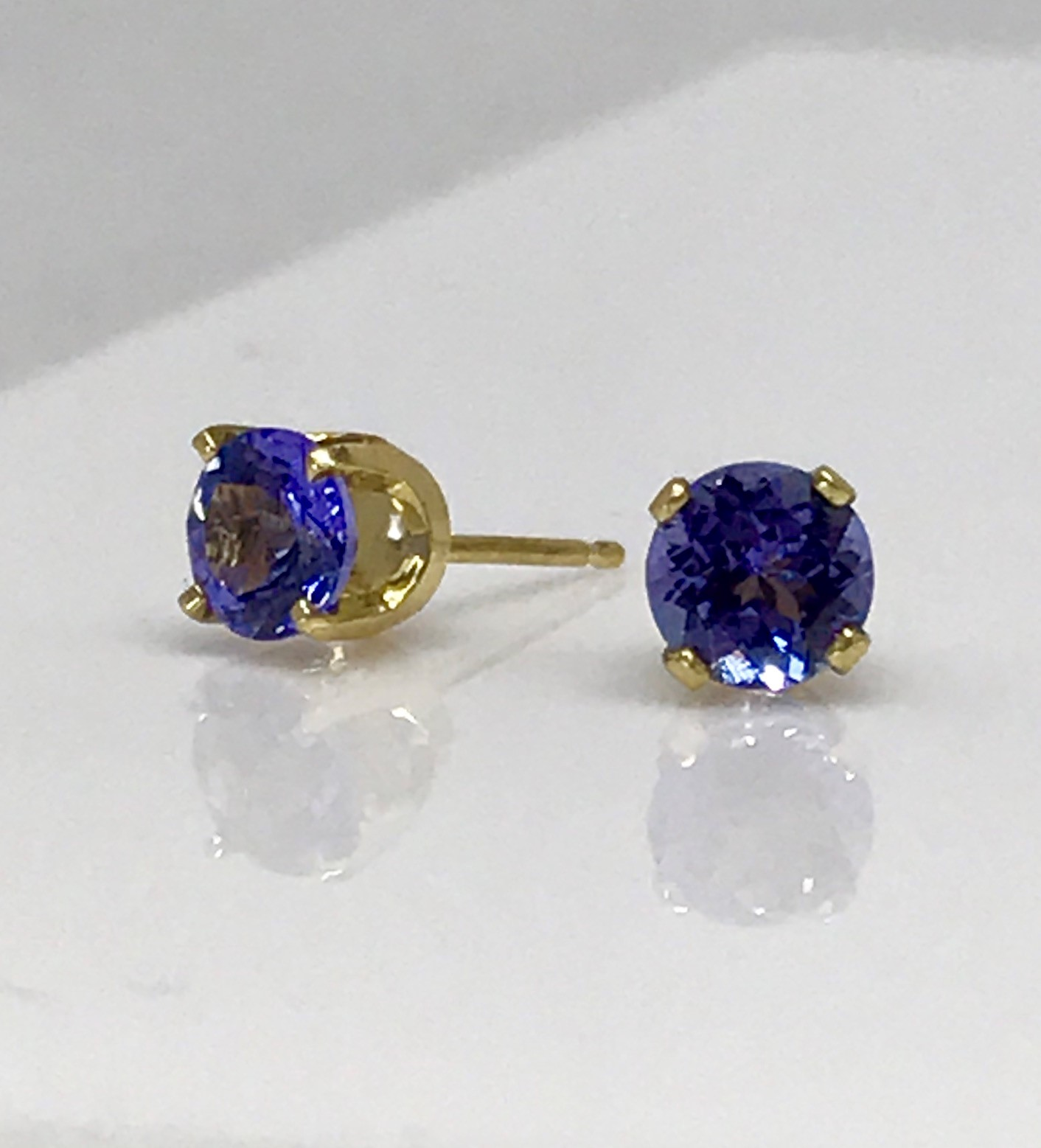 and oval value at ajs tanzanite articles gems grading