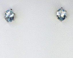 4095a Aqua Oval White Gold Earrings