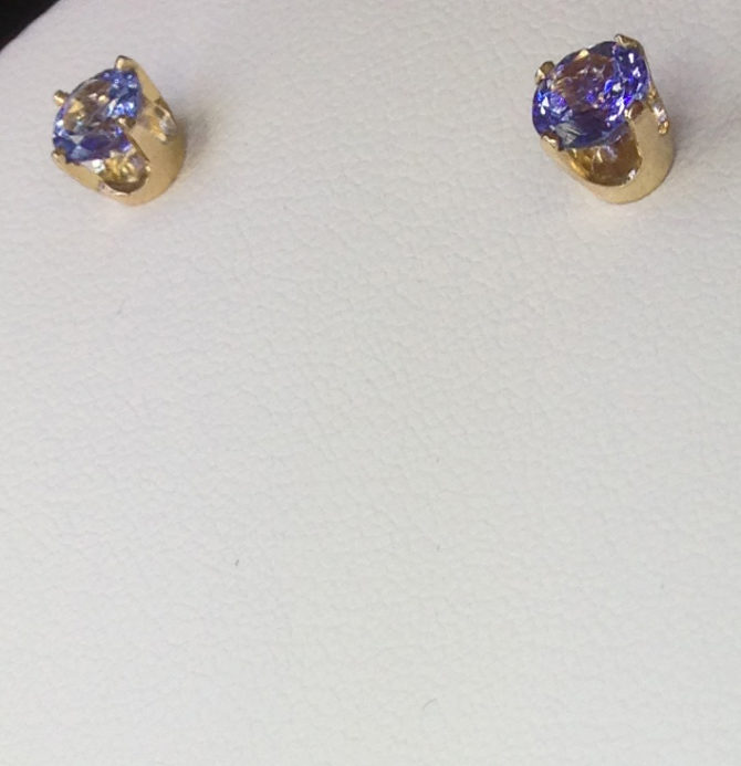 4098d Tanzanite gems in 18kt Yellow Gold