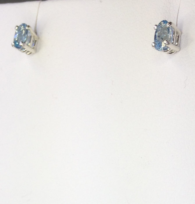 4172d Aquamarine Colorado 5x7 Oval Sterling Earrings