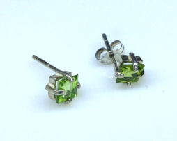 4289a Peridot CO Square Sterling Earrings