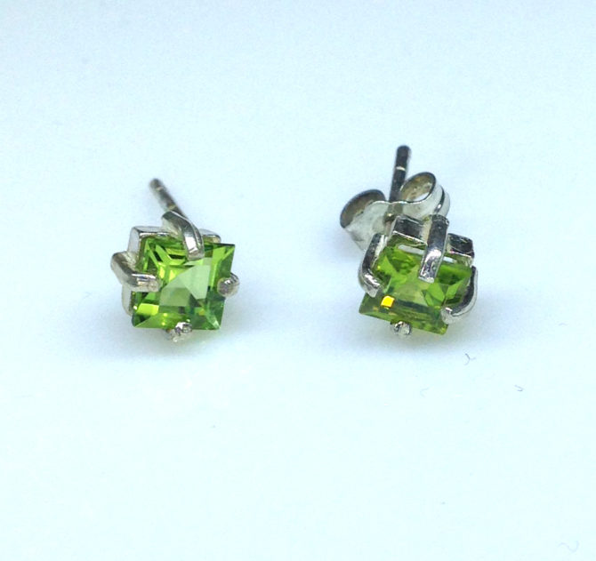 4289e Peridot CO Square Sterling Earrings
