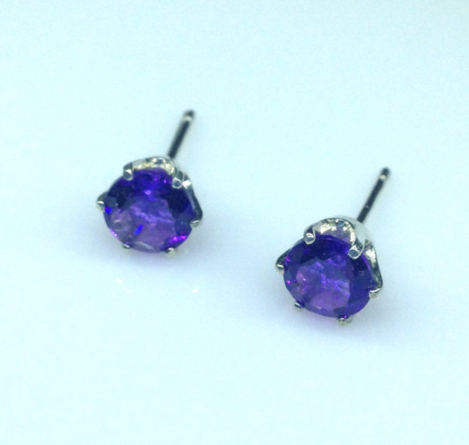 4204c Amethyst AZ Round Sterling Earrings