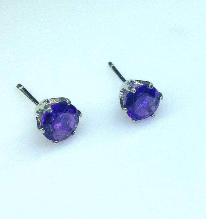 4204d Amethyst AZ Round Sterling Earrings