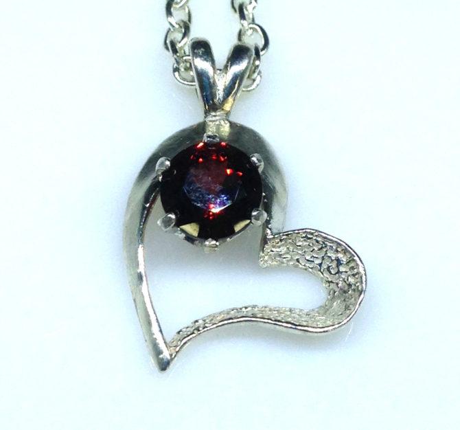 5242a Garnet Sterling Heart Pendant