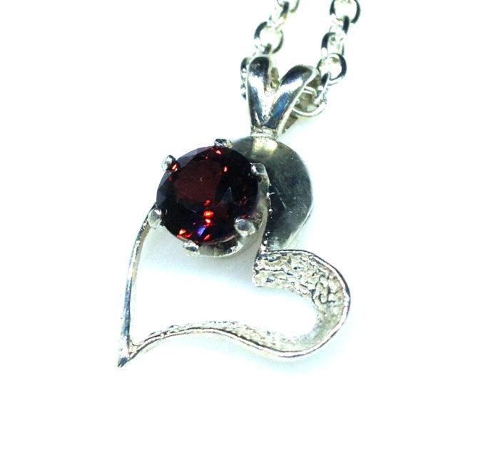5242c Garnet Sterling Heart Pendant