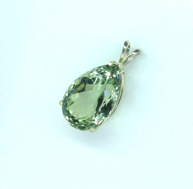 5314b Mint Green Quartz 11x16 Pear Sterling Pendant