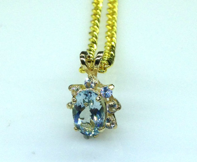 5340c Aqua CO 8x5 Oval Y Gold Pendant
