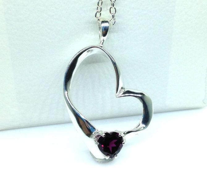 5349c 104 Rhodolite Garnet 8x8 Heart Sterling Pendant