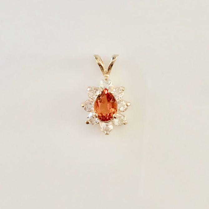 5430 Clinohumite 7x5 Pear yellow Gold Pendant