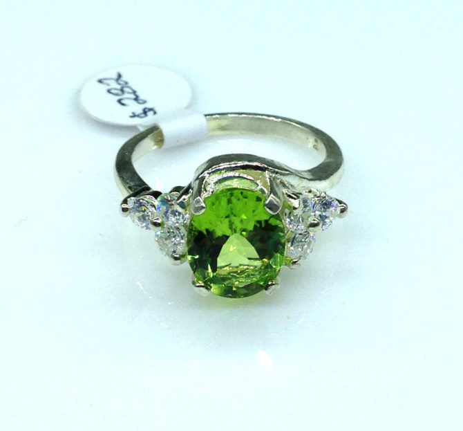 6082a Peridot AZ 10x8 Oval Accents Sterling Ring