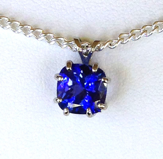 5163a Tanzanite 9x9mm Square White Gold Pendant