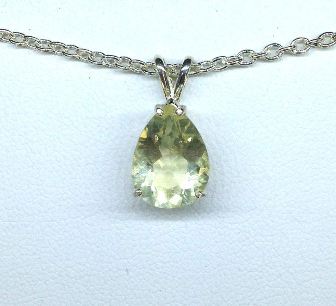 5257c Yellow Labradorite Sterling Silver Pendant