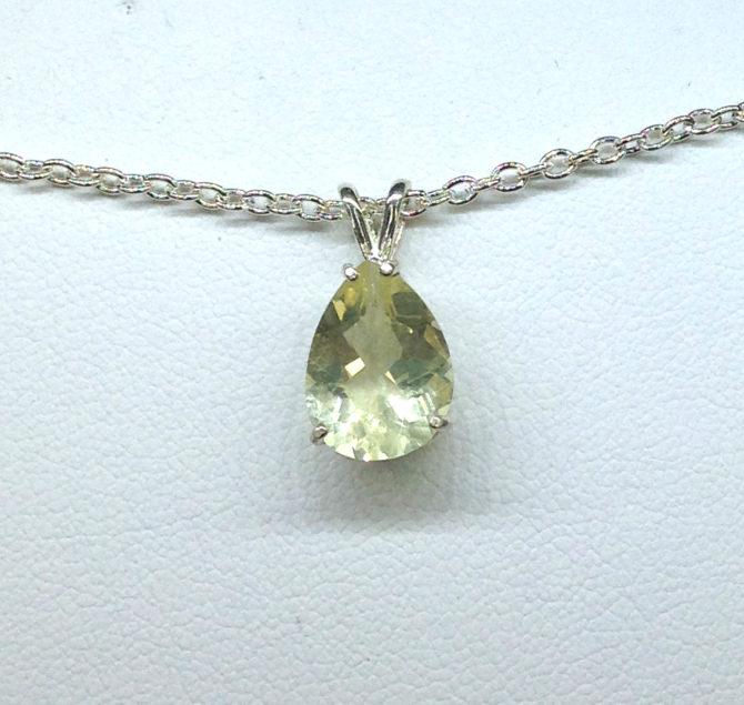 5257f Yellow Labradorite Sterling Silver Pendant