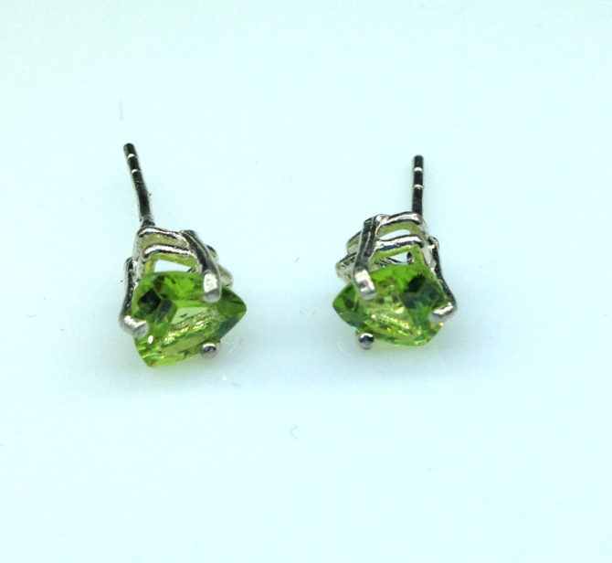4215a Peridot AZ Trillion Sterling Earrings