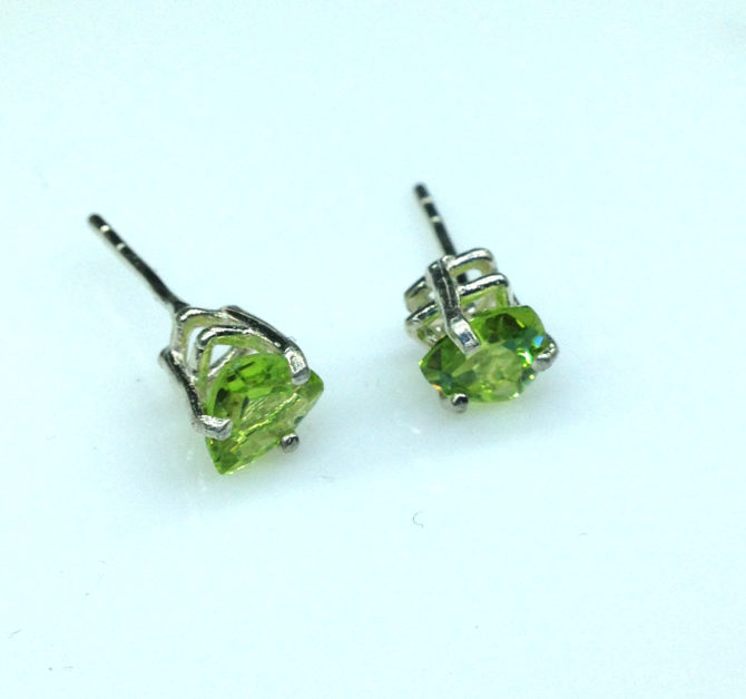 4215c Peridot AZ Trillion Sterling Earrings