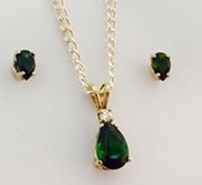 Green Tourmaline Pear Gold