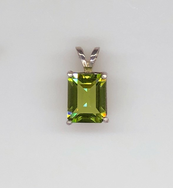 5183c Peridot Rectangle Sterling Pendant