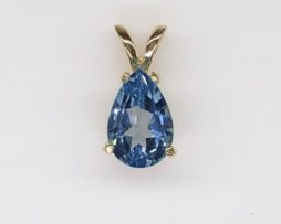 5478a Swiss Blue Topaz Pear Yellow Gold Pendant